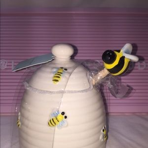 Honey pot with dipper 🐝